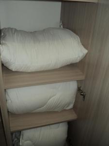 Двухъярусная кровать или двухъярусные кровати в номере Apartment Pleskov