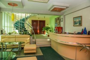 Лобби или стойка регистрации в Hotel Kapri