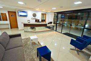 The lobby or reception area at Comfort Hotel & Suites Natal