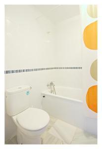 A bathroom at Hostal La Posada