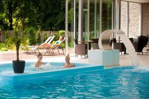 Der Swimmingpool an oder in der Nähe von Hotel Park
