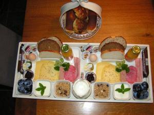 Ontbijt beschikbaar voor gasten van B&B de Breul