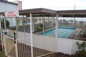 The swimming pool at or near Burnie Ocean View Motel and Caravan Park