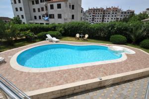 Πισίνα στο ή κοντά στο Apartments Villa Lida