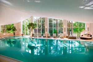 The swimming pool at or near Strandhotel Fischland