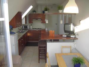 Een keuken of kitchenette bij Bed and Breakfast Den Bosch