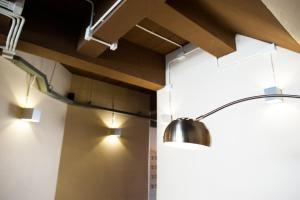 A kitchen or kitchenette at KENCOZY accommodation