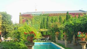 The swimming pool at or near Hotel Bow Garden