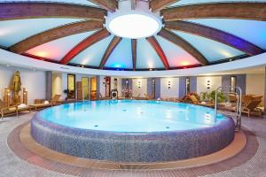 The swimming pool at or close to Steigenberger Hotel Berlin