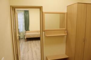 Двухъярусная кровать или двухъярусные кровати в номере «Звенигородская»