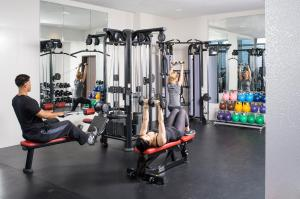 The fitness center and/or fitness facilities at Courtyard by Marriott New York Manhattan/Central Park
