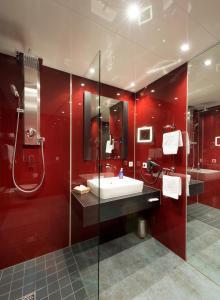 A bathroom at Landgut Ramshof