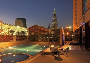 A piscina localizada em Braira Hotel-Olaya ou nos arredores