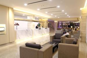The lobby or reception area at 89 Hotel