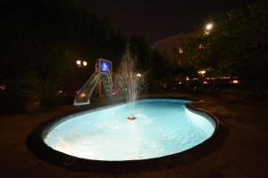 A piscina localizada em Wakan Luxury Villas and Suites ou nos arredores
