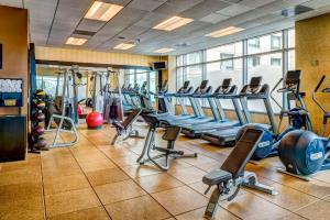 The fitness center and/or fitness facilities at Hilton Vancouver Washington