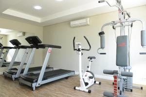 The fitness centre and/or fitness facilities at Alano Executivo Hotel