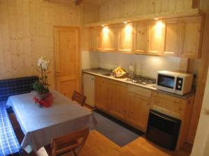 Küche/Küchenzeile in der Unterkunft Campeggio Valle Gesso