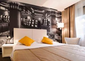Кровать или кровати в номере Park, Hotel & Entertainment