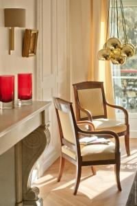 A seating area at My Home For You Luxury B&B