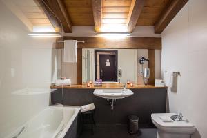 Un baño de Hotel Dolarea