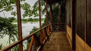 A balcony or terrace at Wasai Puerto Maldonado Hostel