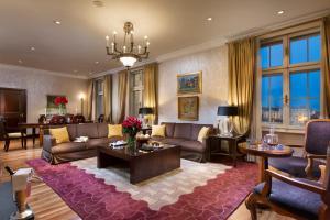 A seating area at Esplanade Zagreb Hotel