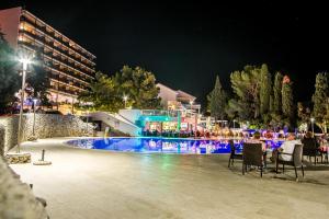The swimming pool at or close to Hotel Dražica - Hotel Resort Dražica