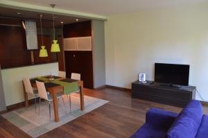 Telewizja i/lub zestaw kina domowego w obiekcie Apartament Agata