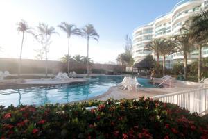 A piscina localizada em Flat Ocean View III ou nos arredores