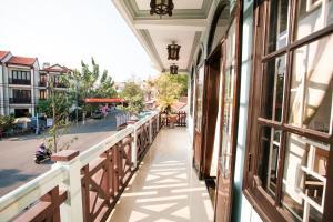 A balcony or terrace at Hoi Pho