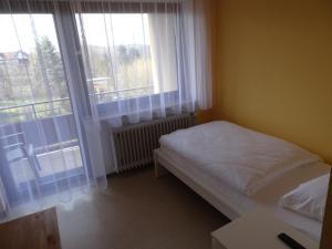 A room at Hotel-Pension Schlossgarten