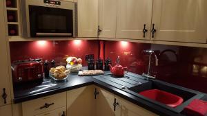 A kitchen or kitchenette at Lochnagar Guest House