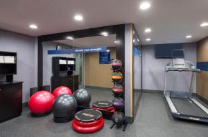 The fitness center and/or fitness facilities at Hampton Inn Seaport Financial District