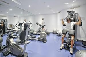 Het fitnesscentrum en/of fitnessfaciliteiten van Vincci Selección Aleysa, Hotel Boutique & Spa