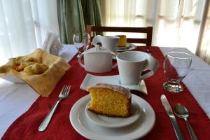 Breakfast options available to guests at Valle Frío Ushuaia