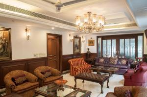 The lobby or reception area at Villa 33