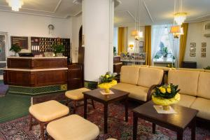 The lobby or reception area at Hotel Brack