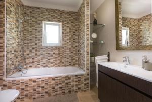 A bathroom at D_Loft Sea and Golf