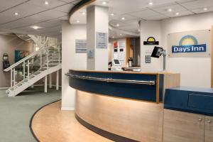 The lobby or reception area at Days Inn by Wyndham Donington
