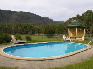 The swimming pool at or near The Grampians Motel and The Views Bar & Restaurant