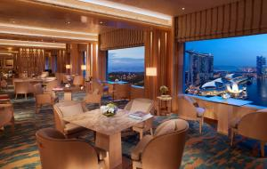 A restaurant or other place to eat at The Ritz-Carlton, Millenia Singapore (SG Clean)