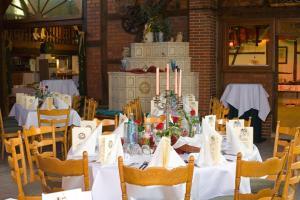Ein Restaurant oder anderes Speiselokal in der Unterkunft Landhaus Siebe