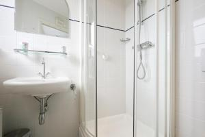 A bathroom at Pension de Driesprong