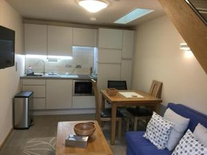 A kitchen or kitchenette at York Aparthotel
