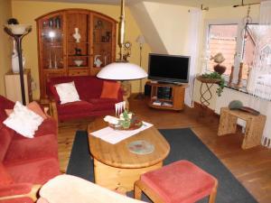 Ein Sitzbereich in der Unterkunft Ferienwohnung Emma