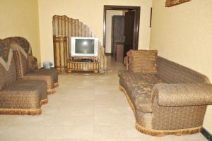 Uma área de estar em Golden Prince Hotel Al Rabwah