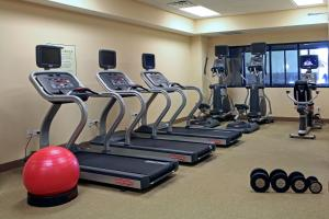 The fitness center and/or fitness facilities at Homewood Suites by Hilton Coralville - Iowa River Landing