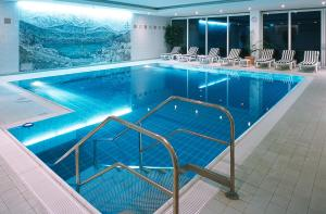 The swimming pool at or close to Mercure Hotel Garmisch Partenkirchen