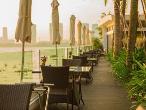Nhà hàng/khu ăn uống khác tại Villa Song Saigon
